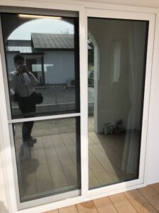 飯塚市窓ガラス目隠しミラーフィルム