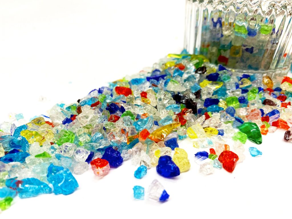 カラフルなガラスの破片