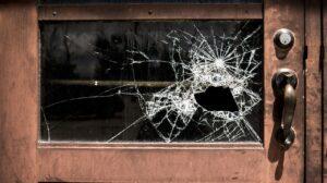 ガラス 窓 破損
